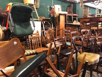 Iemand een stoel nodig?