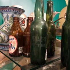 Een fles van Liebaert uit Wetteren (ziet er ook al een oud beestje uit)