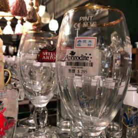 Stella Artois-glazen van 8 euro per stuk