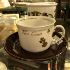 Een koffietasje 'Voor Oma'